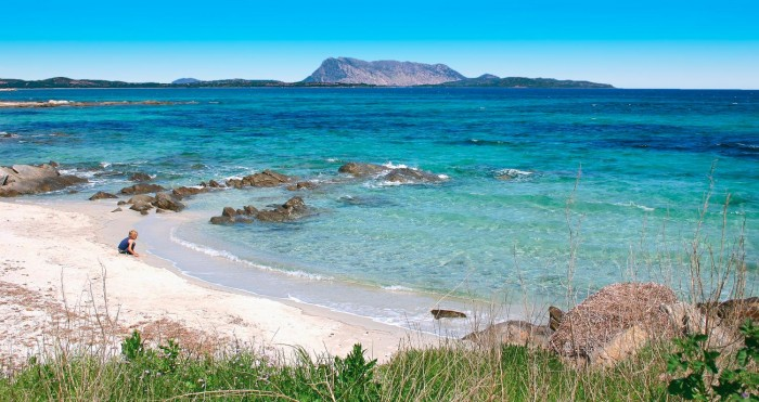 Vacanze italiane. Nella foto, una spiaggia della Sardegna