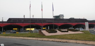 Aeroporto di Bologna, photo by Threecharlie - Wikipedia