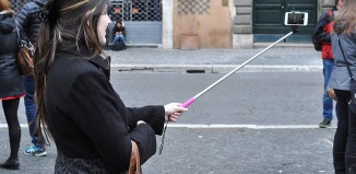 Selfie stick - Photo Credit: Marco Verch su wikipedia.org