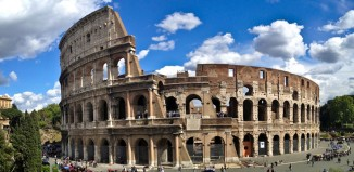 Nella mattinata del primo compleanno di Domenica al museo, lanciato negl luglio 2014, il Colosseo è risultato l'istituzione più visitata, con quasi 25.000 accessi