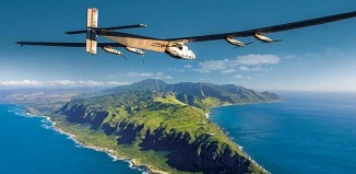 Il Solar Impulse mentre si avvicina alle Hawaii