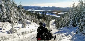 Tour in motoslitta, Canada.