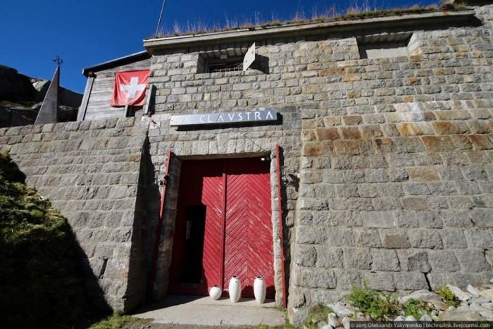 L'hotel La Claustra, Airolo (Svizzera), ricavato da un ex bunker