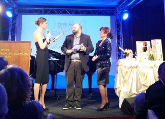 Valerio Tabacchi riceve il premio Bit Award 2016, vinto da Cortina Marketing