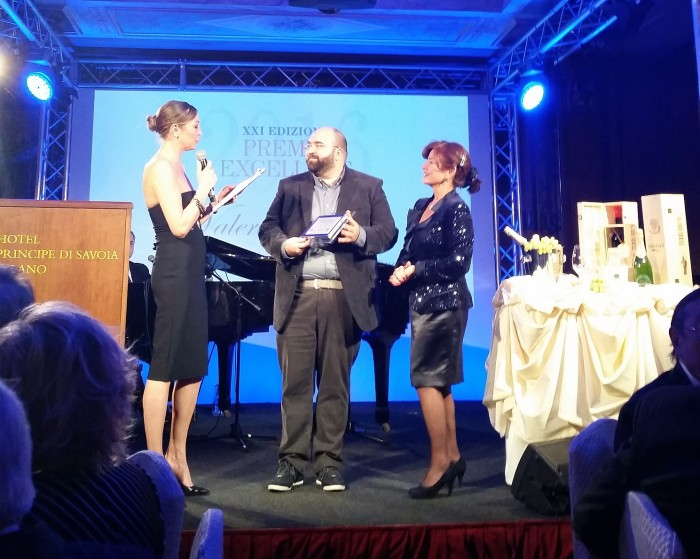Valerio Tabacchi riceve il premio Bit Award 2016, vinto da Cortina Marketing