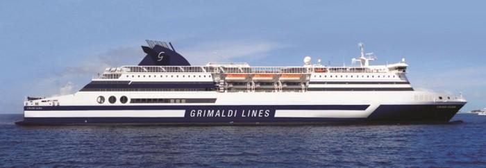 Una nave Grimaldi Lines.