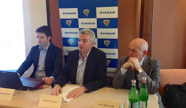 Ryanair: rimaniamo a Crotone solo se Governo annulla tasse