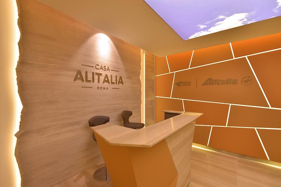 Casa alitalia si rinnova inaugurate le due nuove lounge a for Case vip roma