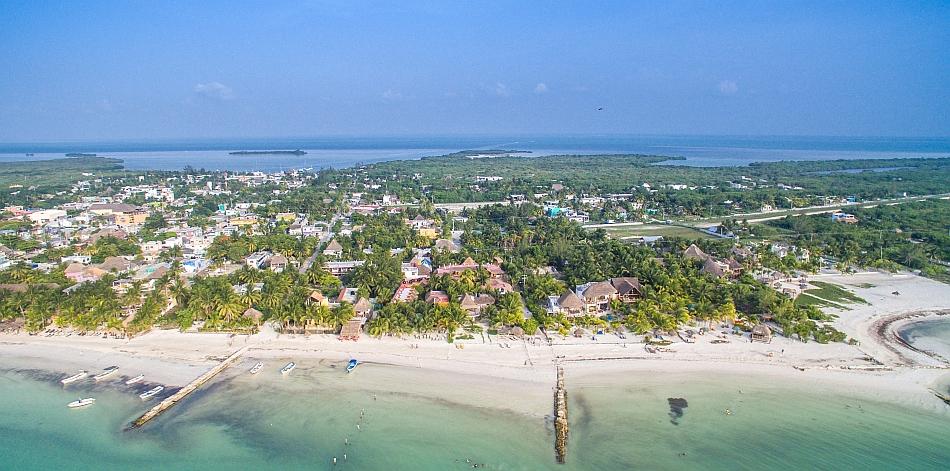 Isla de Holbox - foto di dronepicr su wikipedia.org