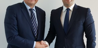 SITA President, Europe Dave Bakker and Malta International Airport Alan Borg sign ICT partnership