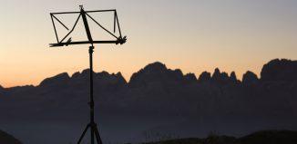 Suoni delle Dolomiti: Alba al Rifugio Segantini (credits: foto credits Ronny Kiaulehn)