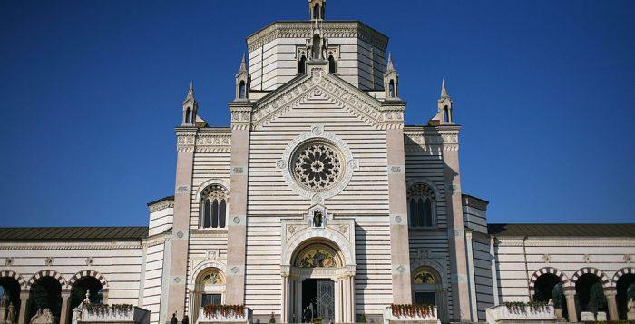 Il Famedio, ingresso principale del Cimitero Monumentale di Milano. Fonte: wikipedia, foto di paolobon140