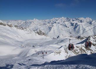 Telecabina e ghiacciaio Presena