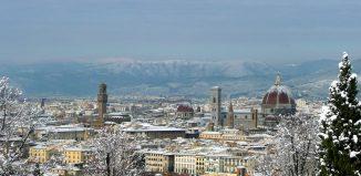 Per i lombardi, le vacanze di Natale e Capodanno saranno soprattutto in Italia. Nella foto, Firenze