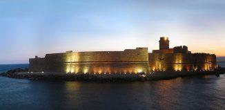 La Fortezza Aragonese de Le Castella. Foto Wikipedia