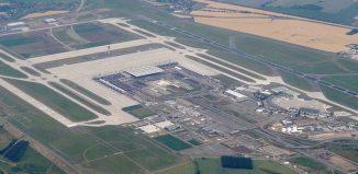 Foto aerea del BER Berlin Brandenburg Flughafen. Immagine Wikipedia