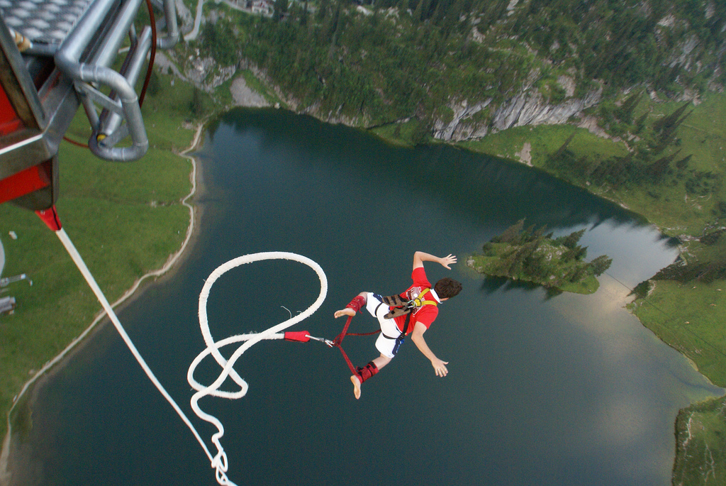 Bungee Jumping a Interlaken in Svizzera, foto di Carla Lane su Flickr