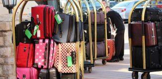 Sgominata la banda specializzata in furti di valigie nelle hall degli hotel di lusso di Milano