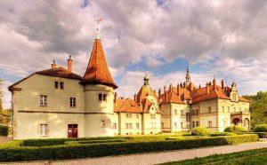 castello-schonborn-buheymom