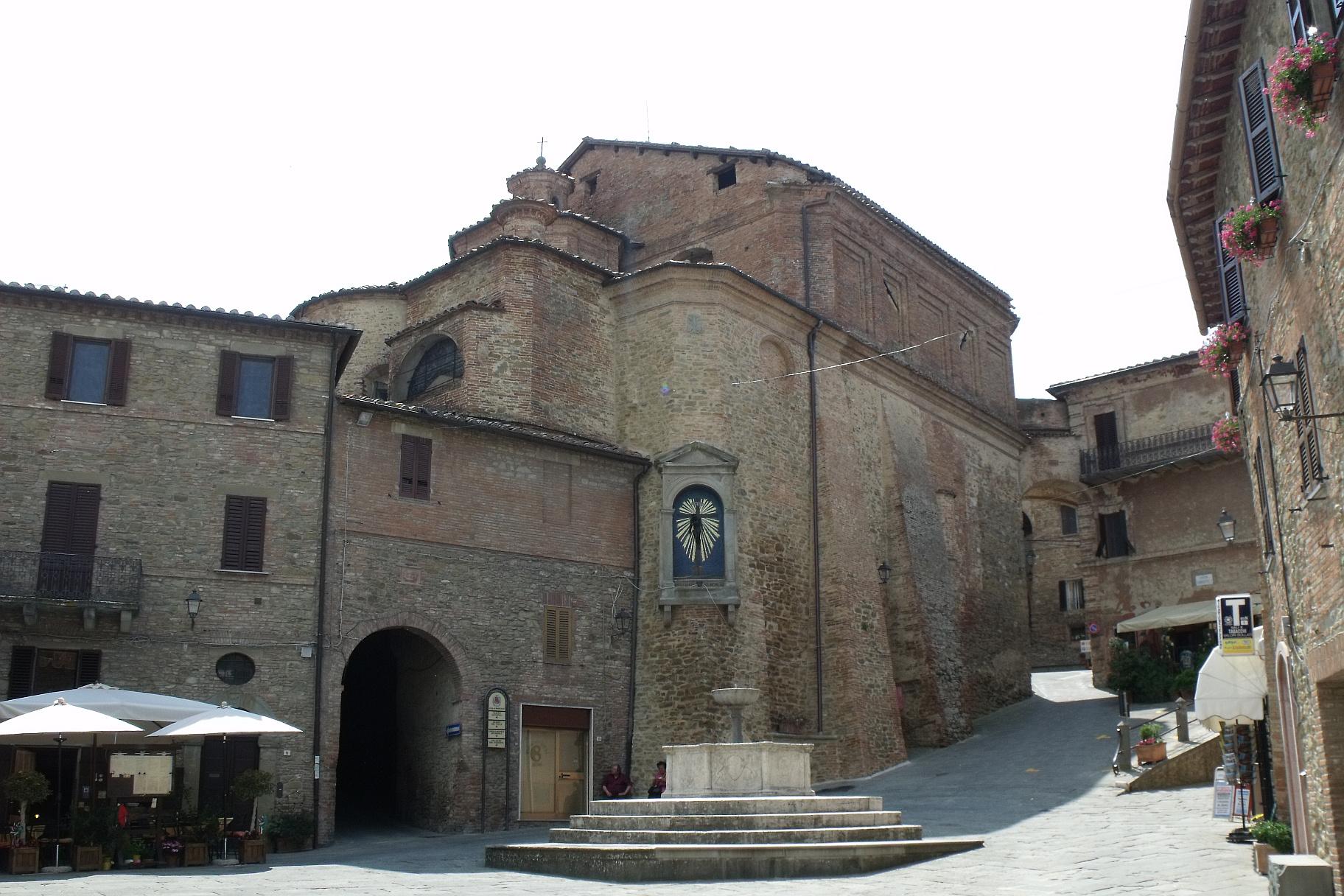 La Chiesa di San Michele arcangelo a Panicale, foto di LigaDue su wikipedia.org