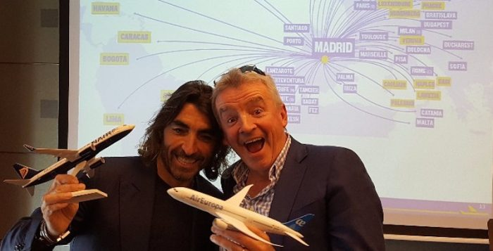 Micheal O'Leary, CEO di Ryanair, e Javier Hidalgo, CEO di Globalia Group, a Madrid