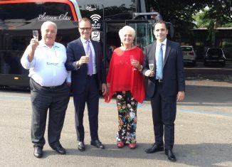 La famiglia Tropini, titolare del bus operator Chiesa Group, brinda ai nuovi Bus Platinum