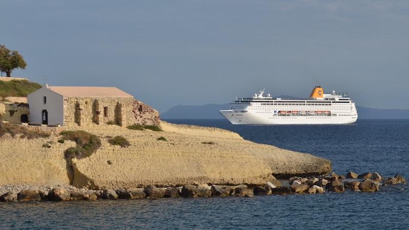 Costa crociere debutto a porto torres con costa for Costa neoriviera wikipedia