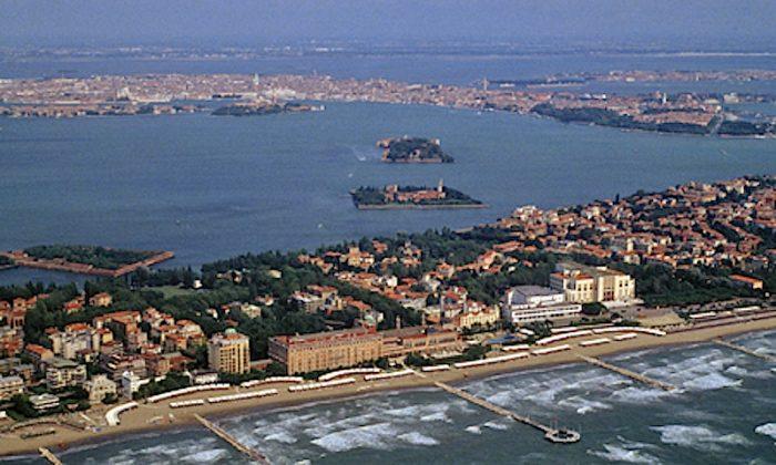 Lido di Venezia/ vista sull'hotel excelsior