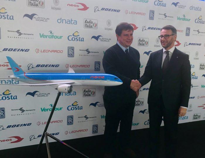 da sinistra: Carlo Stradiotti, Amministratore Delegato di Neos e Mario Alovisi, VP Revenue Management and Trasportation di Costa Crociere